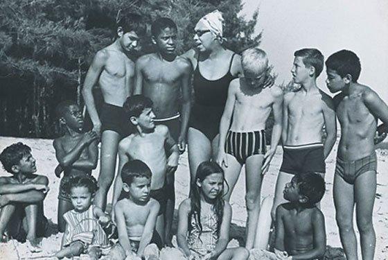 ג׳וזפין בייקר ומשפחתה